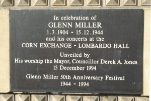 Plaque outside the Bedford Corn Exchange